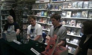 MD Lachlan och Hannu Rajaniemi på SF-bokhandeln